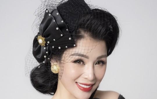 Hoa hậu Đàm Hương Thủy: Tuổi nào cũng cần nỗ lực trau dồi kiến thức